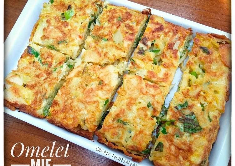Omelet mie fishroll