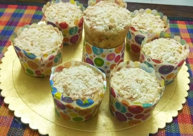 Cheesy Pizza Muffins