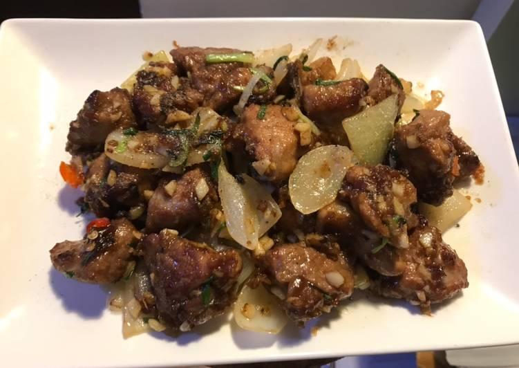 Fried pork ribs with garlic and onion
