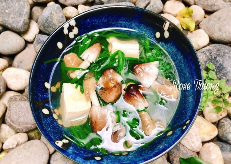 Cách Làm Món Canh Hẹ Nấu Đậu Hủ Nấm Rơm của Rose Truong - Cookpad
