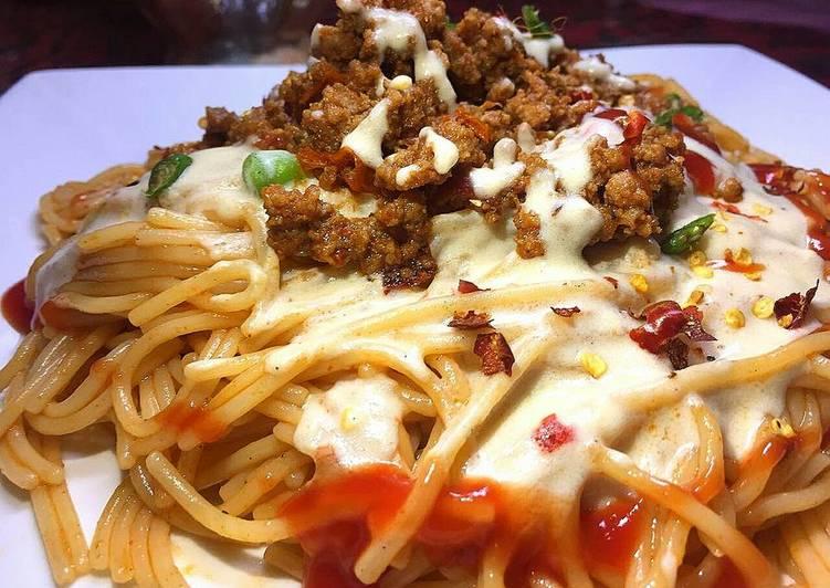 10 Minute Step-by-Step Guide to Prepare Homemade Saucy qeema spghattis