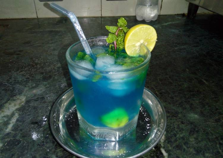 Blue curacao lemonade [ A refreshing mocktail recipe ]