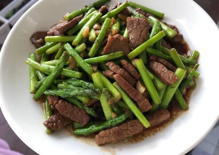 Tumis daging asparagus