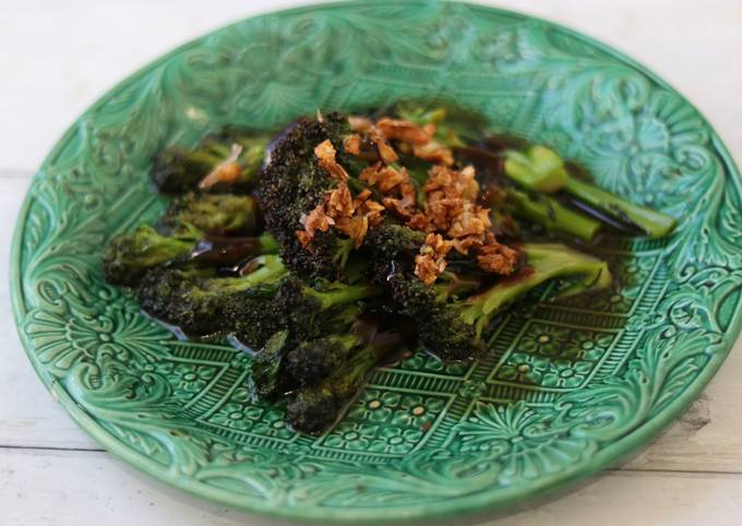 Purple Sprouting Broccoli In Oyster Sauce Recipe By Yui Miles Cookpad