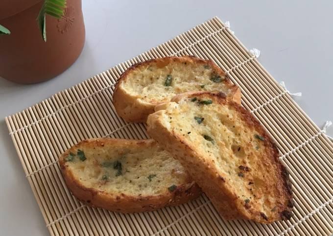 Sarımsaklı Çıtır Ekmek