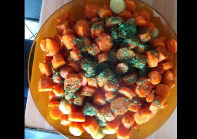 Carottes et pommes de terre rattes au persil