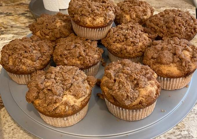 Cinnamon Swirl Crumb Cake / Muffins