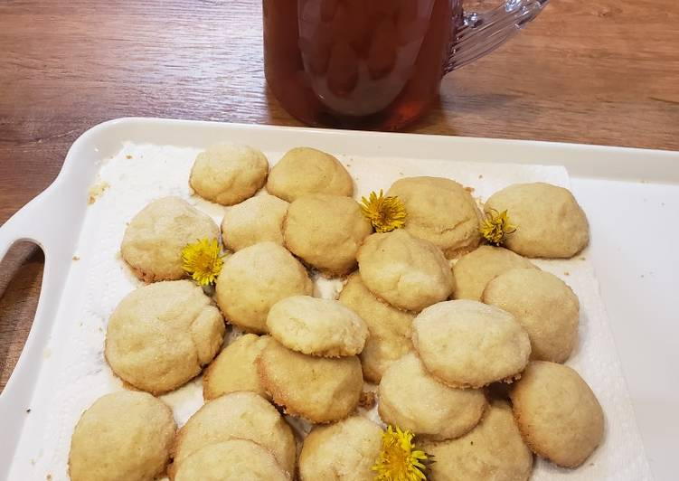How to Make Homemade Tasty Dandelion Shortbread Cookies