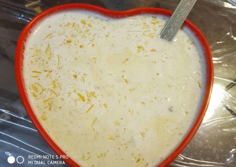 Recipe of Most Popular Almond saffron milk with Fannia
