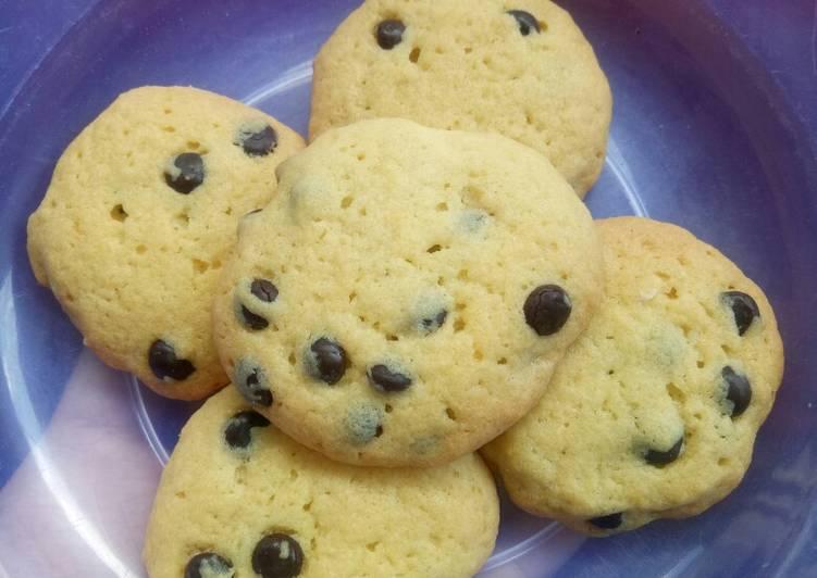 Vanila cookies chocochips...😋😋😋