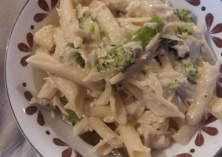 Crock pot chicken broccoli pasta