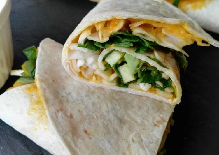 Burritos de repollo,espinaca, aguacate con mayonesa de zanahoria
