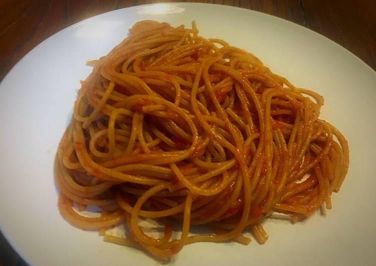 Espaguetis all' arrabbiata