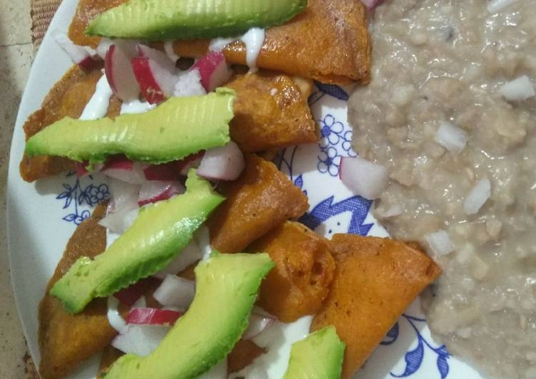 Enchiladas potosinas!
