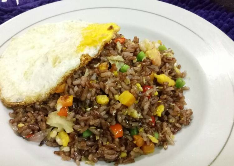 Nasi goreng beras merah NON MSG