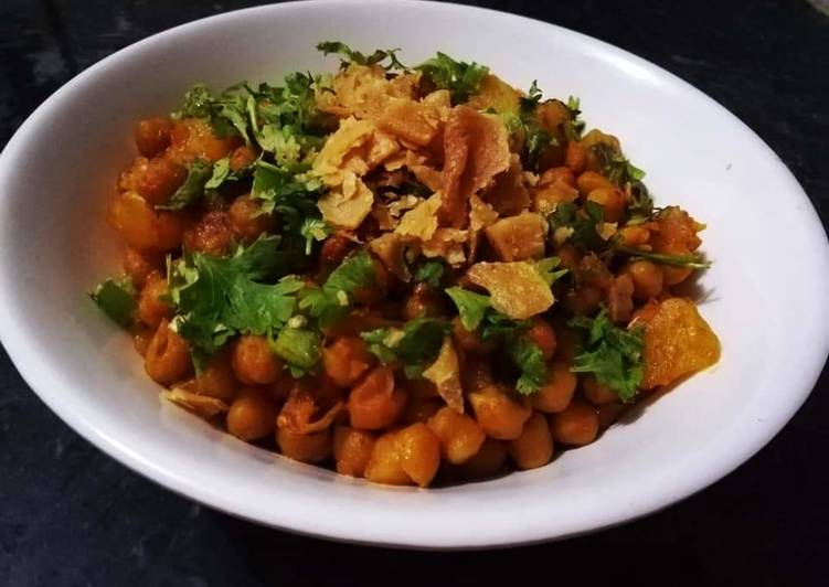 Recipe of Favorite Spicy Chana Chaat
