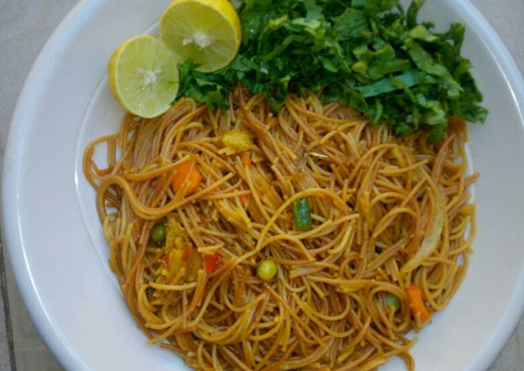 Easiest Way to Cook Perfect Fried spaghetti with salad