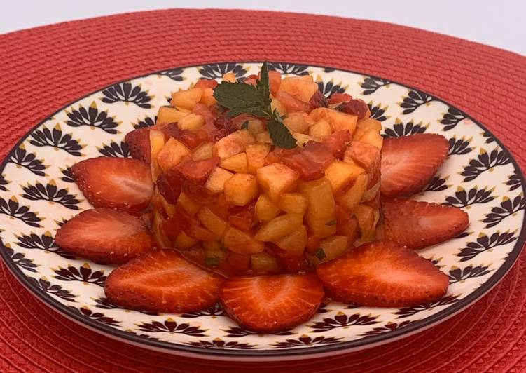 Tartare de fraises, pêches et nectarines