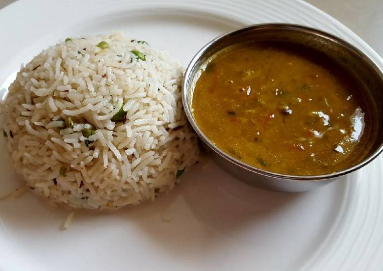 Best Comfort Dinner Easy Refreshing Yellow Dal served with peas pulao