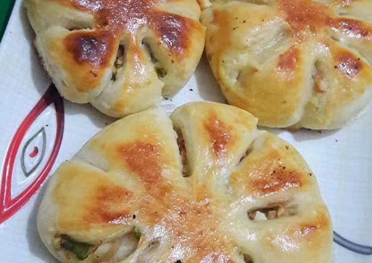 Chicken flower buns