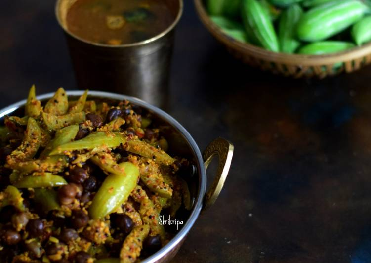 Ivy gourd and chick pea Dry curry: