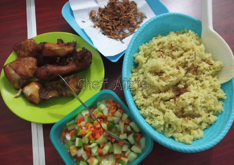 Nasi Kebuli Ayam Rempah + Acar