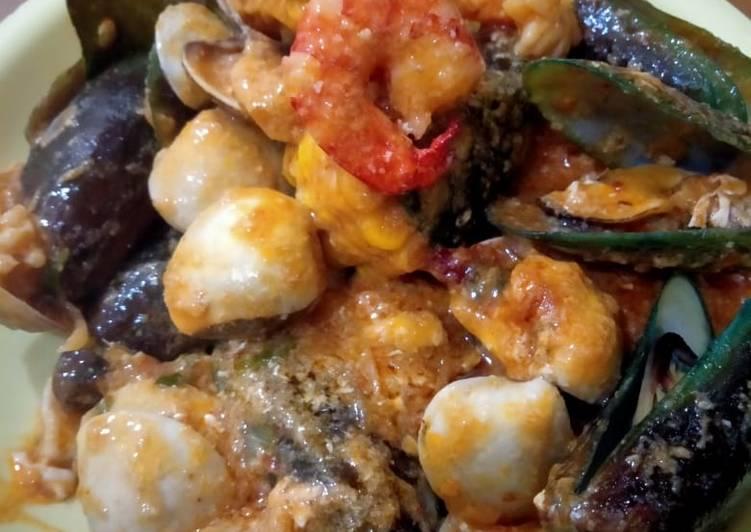 Seafood ala inyong dengan bumbu saos padang