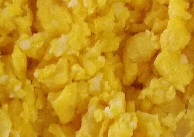 Recipe: Appetizing Decent Cheese Scrambled Eggs
