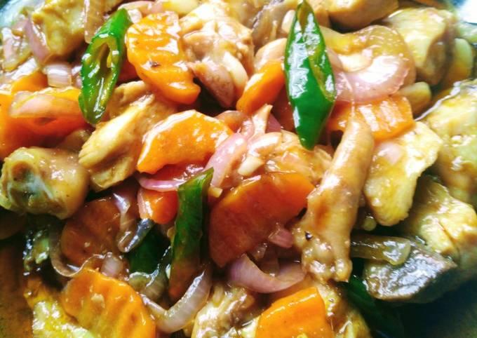 Ayam masak tomyam super simple but mabelesss😋😋