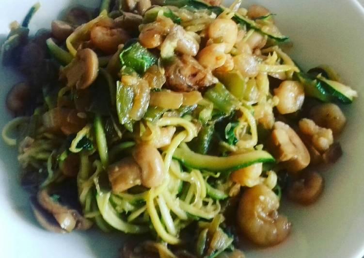 Espaguetis de calabacín a la oriental