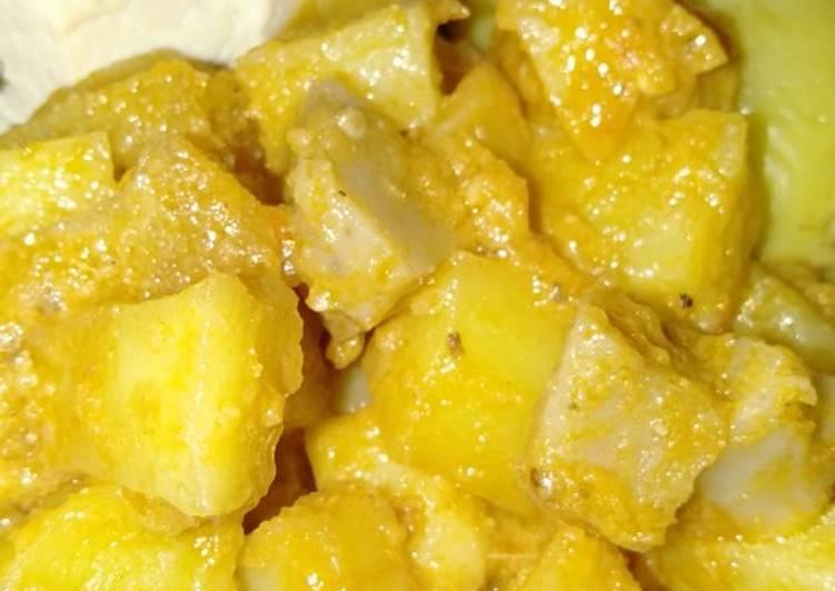 Sambel goreng KPK (kentang pentol krecek)