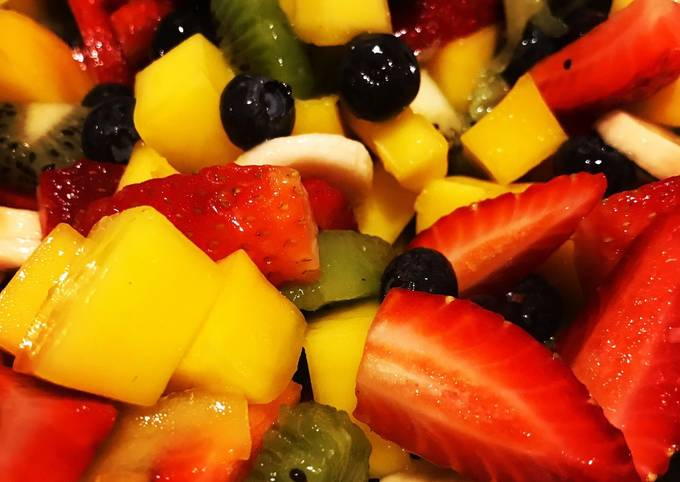 Step-by-Step Guide to Make Homemade Fresh Fruit Salad