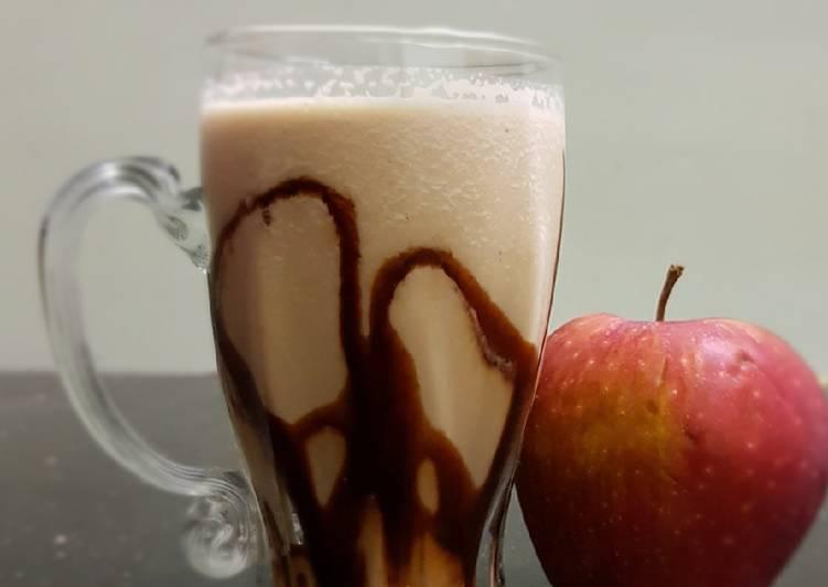 Apple nuts smoothie