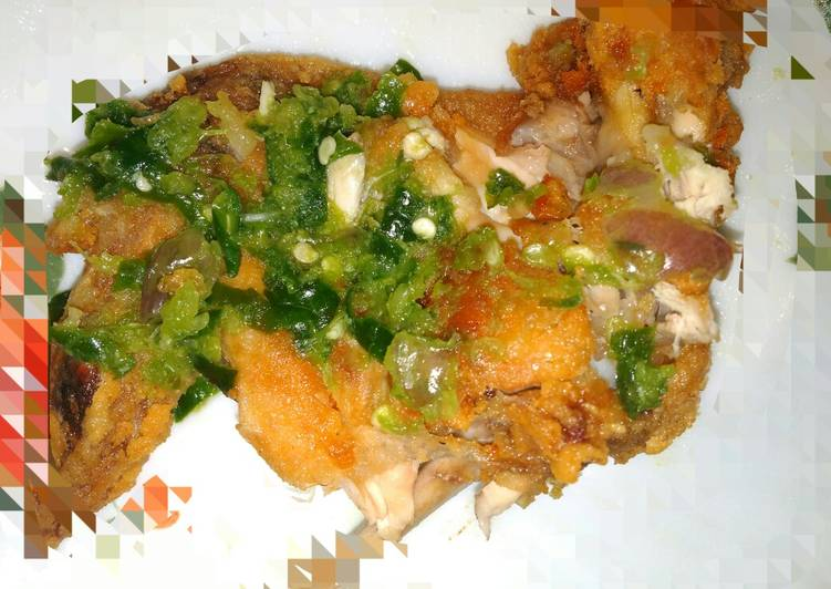 Ayam geprek crispy cabe hijau