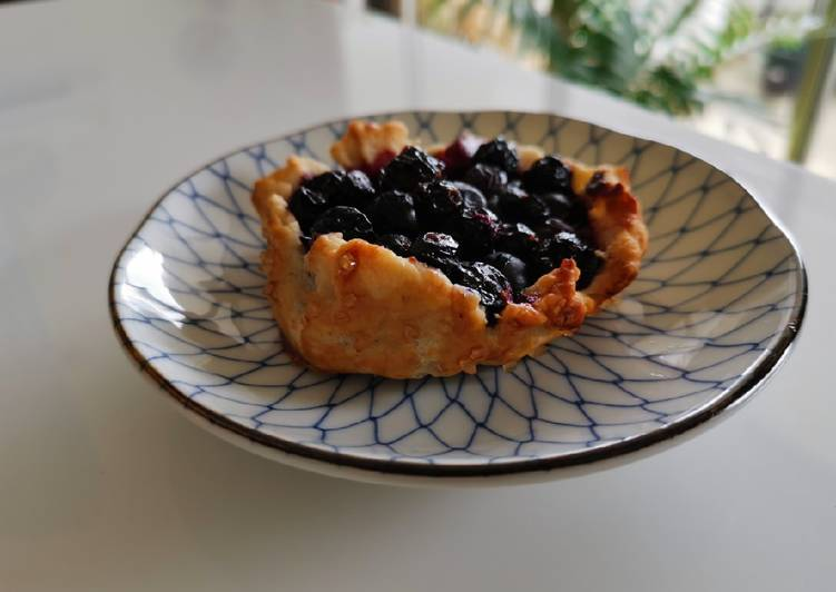 10+ Dinner Easy Spring Blueberry galettes