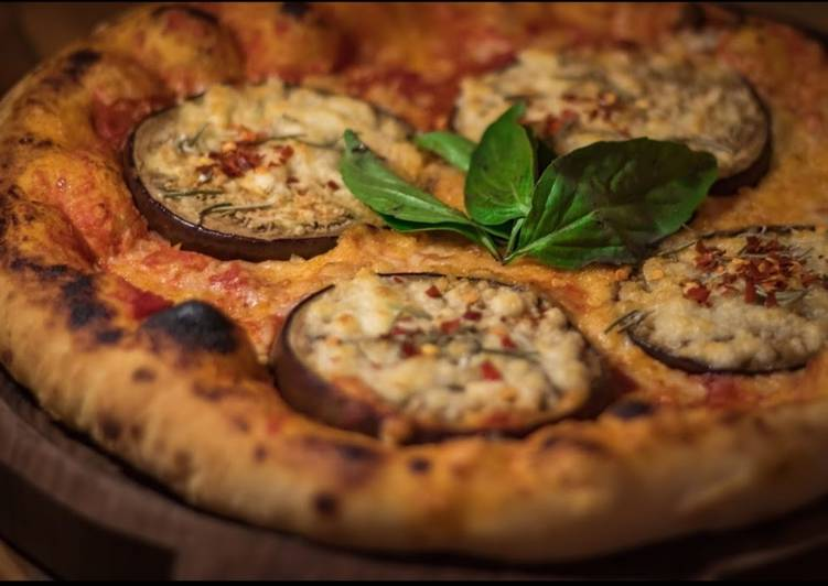 Ricetta Pizza with Eggplant 🍆