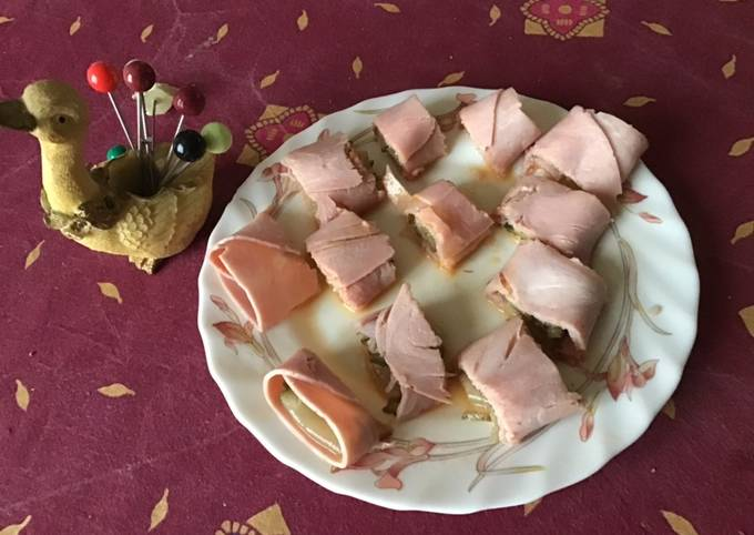 Petits roulés de jambon au curcuma et légumes marinés maison