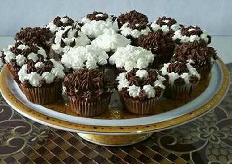 Resep Cup Cake Spekulasi Butter Cream Dijamin Halal Oleh Yunita Hatibie Cookpad