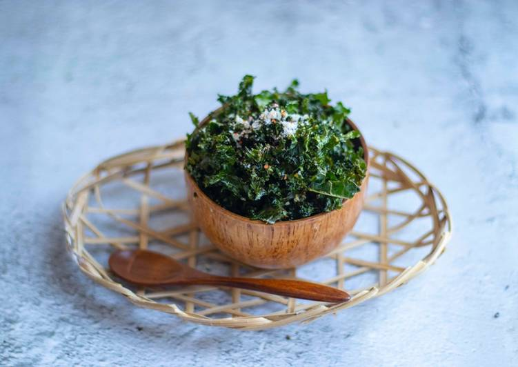 Crispy kale top with bird eye chilli and parmesan 🌶