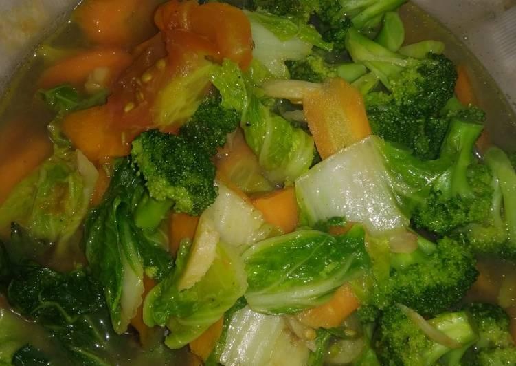 Sayur sehat brokoli, wortel dan sawi putih