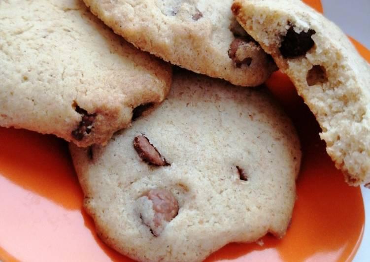 La Délicieuse Recette du Cookies au blé complet et noix de pecan (et pépites de chocolat ici)