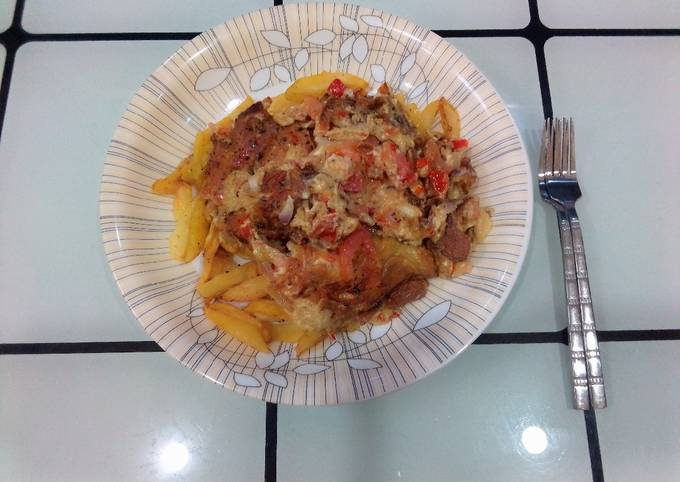 French fries with tomato omelette