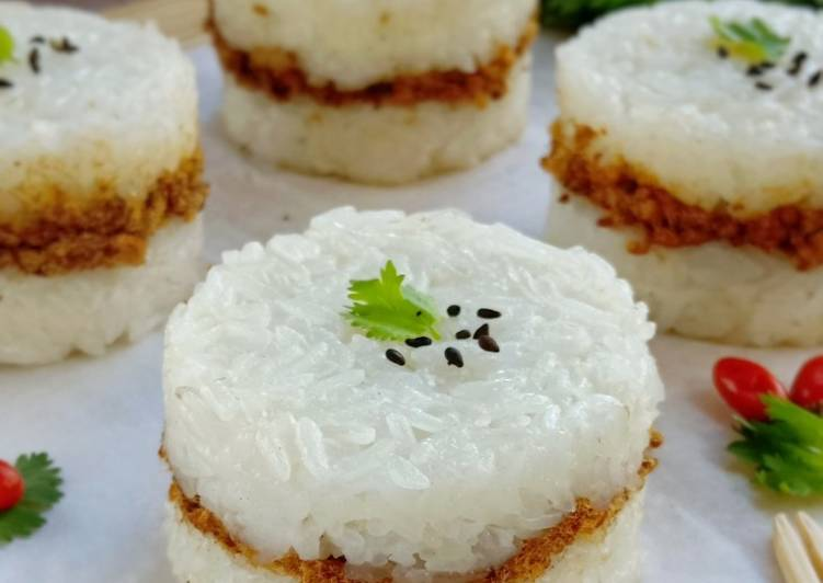 Chicken Floss Sticky Rice Burger