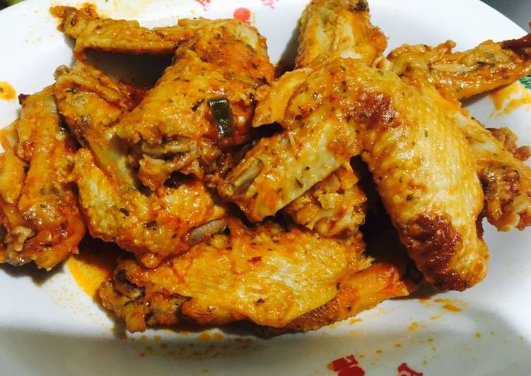 Sweet and sour stewed chicken wings
