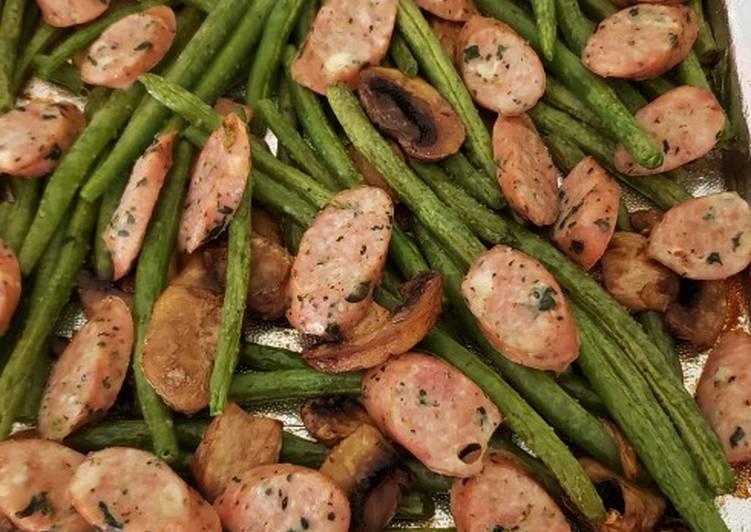 Sheet pan sausage and green beans