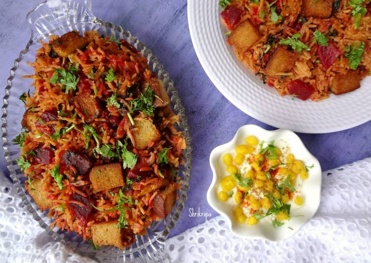 Red Amaranth and Beet Pulav/Biryani: