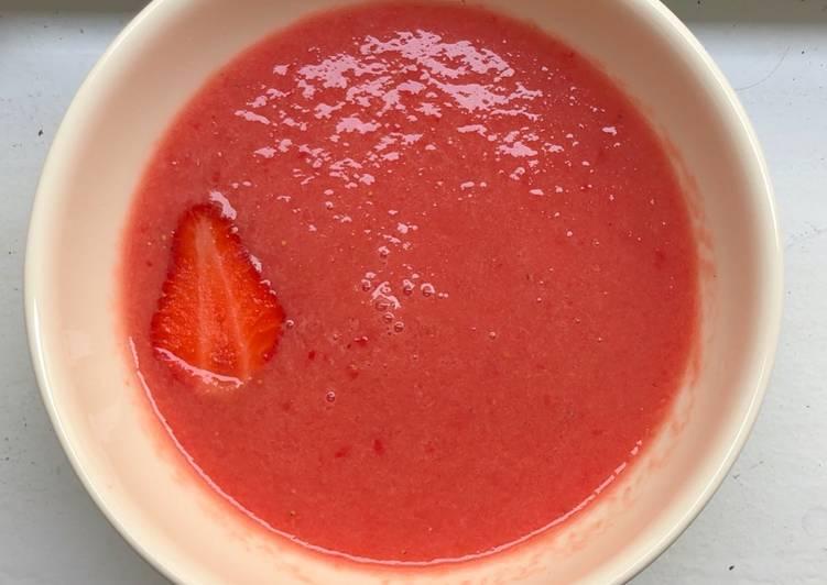Comment Servir Gaspacho de pastèque et fraises