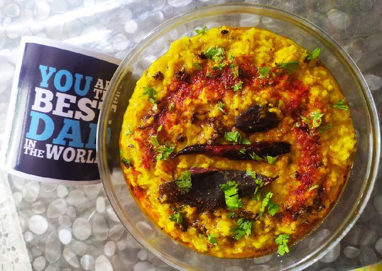 Masala khichdi (Khichdi made with rice, lentils and Spices)