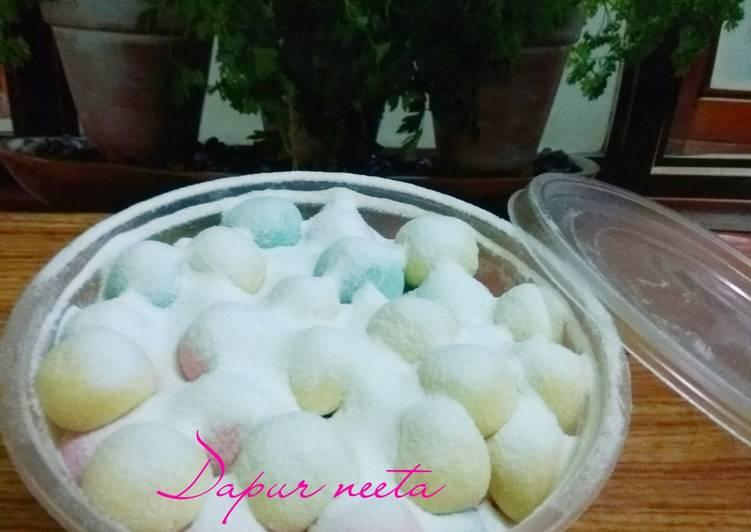 Bola-bola susu #KusukaNGEMIL #pekaninspirasi #cookpadcommunity