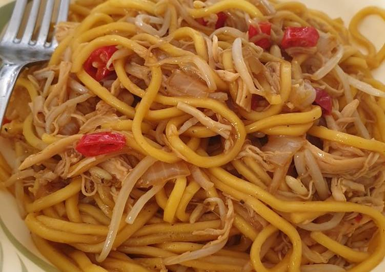 Easy Chicken Noodles